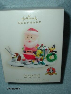 "2007 Hallmark Keepsake Dated Ornament ""deck The Yard!-Looney Tunes"" New In Box"