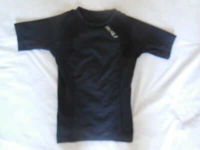 2Xu Youth Size Medium Black Compression Short Sleeved Top