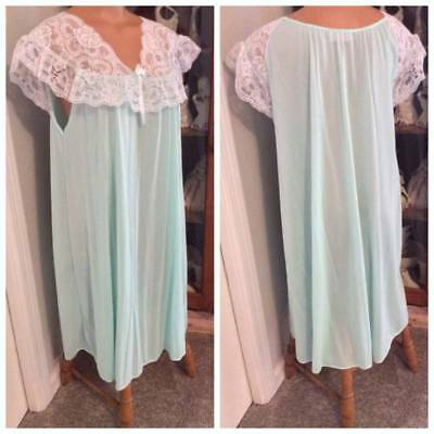 Vintage Carriage Court Mint Green W/ Lace Short Nylon Nightgown Sz L