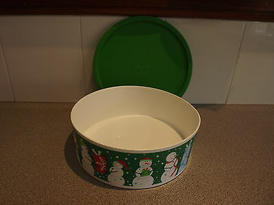 Tupperware christmas cake cannister 9.5 cups xmas snowman gift giving