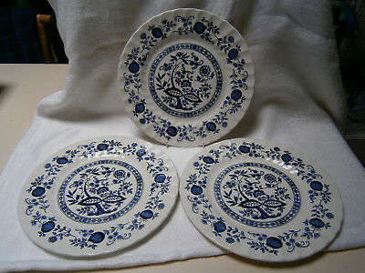 """3 Vintage Dinner Plates In Blue & White Onion Design By"""" Crown Clarence"""" England"""