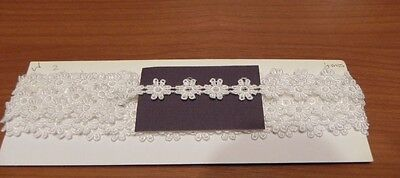 Card of Beautiful New Guipure Lace - White Daisies 2