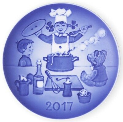BING & GRONDAHL 2017 Children's Day Plate - The Little Chef - New in Box!