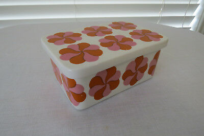 Retro 1969 **ARABIA WARE** Floral Lidded Butter Dish - Rare Find...