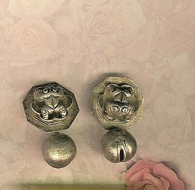 Late Victorian Pair of Chinese Peasant Silver Octagonal Frog Cufflinks
