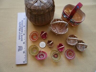 VINTAGE Lot of 13 Miniature Small Woven Baskets Doll House Easter Colorful, Natu