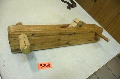 Nr. 5260.    Alter  Hobel Holzhobel Handhobel   Old Wood Plane Working Tool