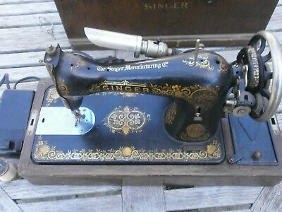 Vintage Singer Sewing Machine Serial # G8968131 And Accessories (1921)