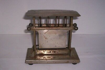 Thermax Landers Frary & Clark Antique Toaster (1947)