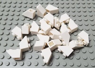 LEGO Lot of 12 Creator Modular White 2x1 Cutout Slope Pieces