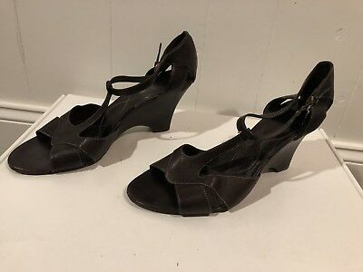 29e298954bdc CIRCA Joan David Brown Leather Wedge Sandals Size 9M Open Toe Shoes Leather  Sole