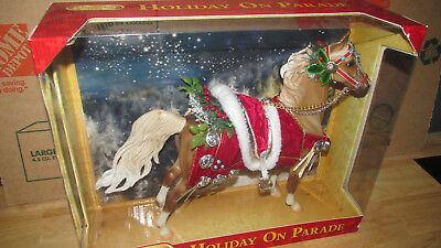 Breyer Holiday On Parade Christmas Horse in box
