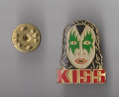 KISS Metal Rock pin badge Logo