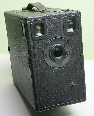 Attractive Large Falling Plate Box Camera - No Makers Name (1901)