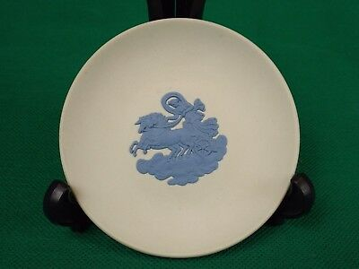 """White Jasper Pin Dish with Blue Chariot Design by Wedgwood (4"""" diameter)"""