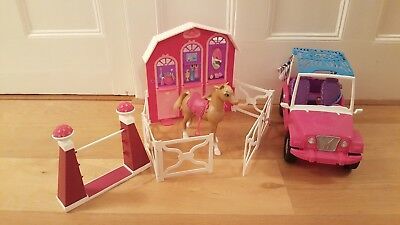 barbie stable, jeep, horse and jump perfect  condition