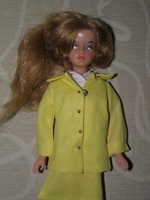 1st Issue Palitoy Tressy Doll In Yellow Suit  - EXC COND !!
