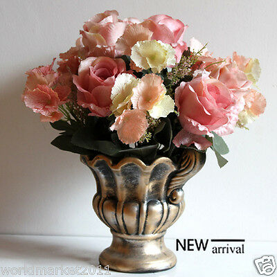 New European Pastoral Style Wrought Iron Ceramic Vase With Different Flowers
