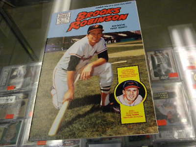 Brooks Robinson Orioles & Frank Thomas Pirates Magnum Baseball Comics Book #1