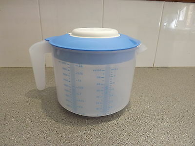 Tupperware EZ Mix'n'Pour pitcher NIP, BLUE new 2L measures dry ingredients 2