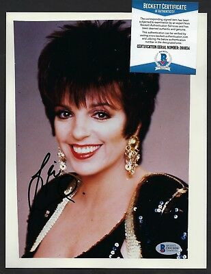 Liza Minelli signed 8x10 photograph BAS Authenticated Actress singer entertainer