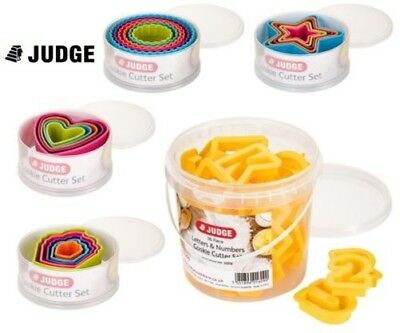 Judge plastica coltello per biscotti Set in a Tub - varie forme