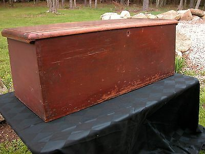 """EARLY  """"CANT BACK"""" BLANKET BOX in RED , DOUBLE TILL, DOVE TAILED SIDES PRIMITIVE"""