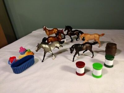 """Breyer Stablemates Lot Of 6 Horses and accessories 3"""" tall"""