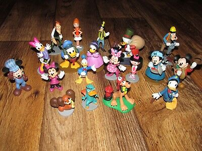 Lot Of 19 Disney Figures, Mickey, Minnie, Donald, Goofey, Uncle Scrooge, & More,
