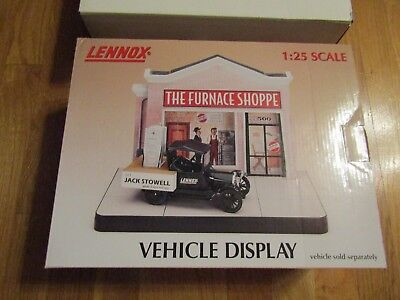 Crown Premiums 1:25 Scale Lennox Furnace Shoppe Center Vehicle Display 2000