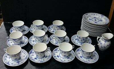 Royal Copenhague 11 Tasses Et 12 Assiettes A Dessert + Pot A Lait Porcelaine
