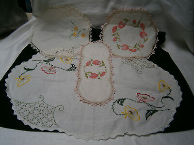 4 Antique / Vintage Embroidered Linen Doilies With Crochet Edging Floral Designs