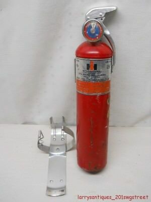 ~1971~ Original Red International Harvester Factory Fire Extinguisher (Nr)