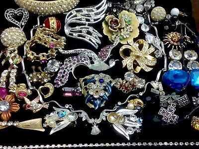 Large Lot Of Vintage~Retro Rhinestone/crystal.. Jewelry For Repair, Parts (E278)