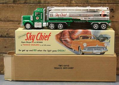 Texaco TMT-18115 Sky Chief Tank Truck Bank LNIB 1/32 Scale 1998