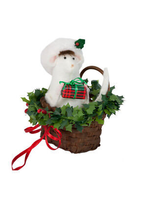 Byers Choice Santa Mouse in Wicker Basket New 2018 Design Adorable!