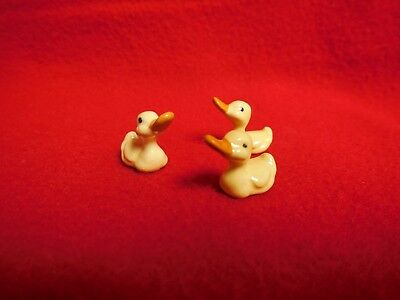 #15 Vtg Hagen Renaker Baby Yellow Ducks Porcelain Ceramic Figurine Set of 3