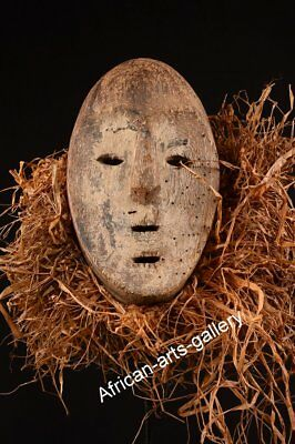 869 Old Mask of the Lega DR Congo / Congo Africa
