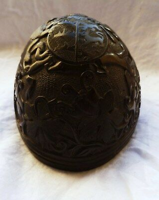 ANTIQUE CARVED NUT NAPOLEONIC Coat ARMS SAILORS POW WOOD SCRIMSHAW CREST SHIELD