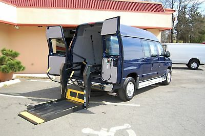 Ford H-Cap 1 Pos. VERY NICE HANDICAP ACCESSIBLE WHEELCHAIR LIFT EQUIPPED VAN....UNIT# 2-3890FT