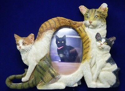 """Ceramic Cat Picture Frame of Three Cats Oval Opening for Picture of 2"""" x 3"""""""