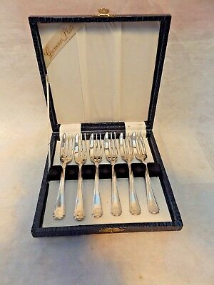Vintage Set of 6 Grosvenor Plate Silverplate Cake Forks ~ Hard Case