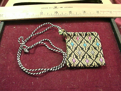 """vtg (Silk?) jewelry pouch necklace string style - 2"""" x 2"""""""