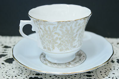 Vintage Royal Vale Footed Bone China Tea Cup and Saucer SET, 6863 C.1953