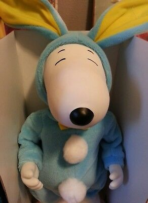 1998 VINTAGE NEW Peanuts Snoopy SWINGING Easter Beagle Plush MINT IN BOX! DANCES