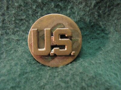 Vintage US Military WW ll  Army  U.S.  Round Brass Pin W/ Screw Back