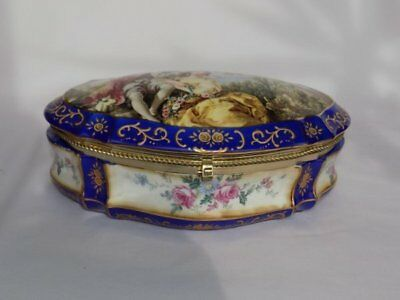Lg Vtg Porcelain Hinged Dresser Box Jewelry Casket 18th C Courting Couple France