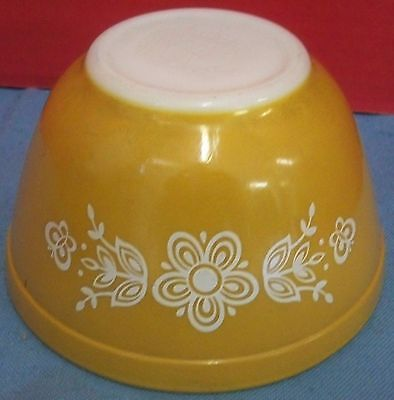 Vintage 1970s Pyrex Butterfly Gold Nesting Mixing Bowl #401 1 1/2 Pint Md in USA