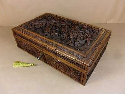 ANTIQUE ANGLO-INDIAN CARVED JEWELLERY/SEWING/COLLECTORS  BOX.C1850-1875  (Cd466