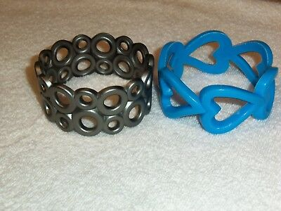 2 Pair of Ladies Large Plastic Bangles – Blue and Silver Lot-JW019